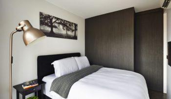 45845-hotel-bedroom-look