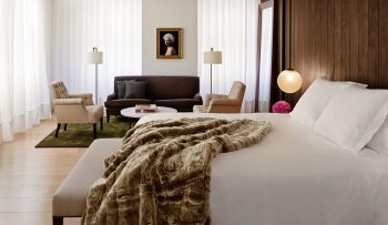 edition-hotels-edition-bed-EDT-124-01_lrg